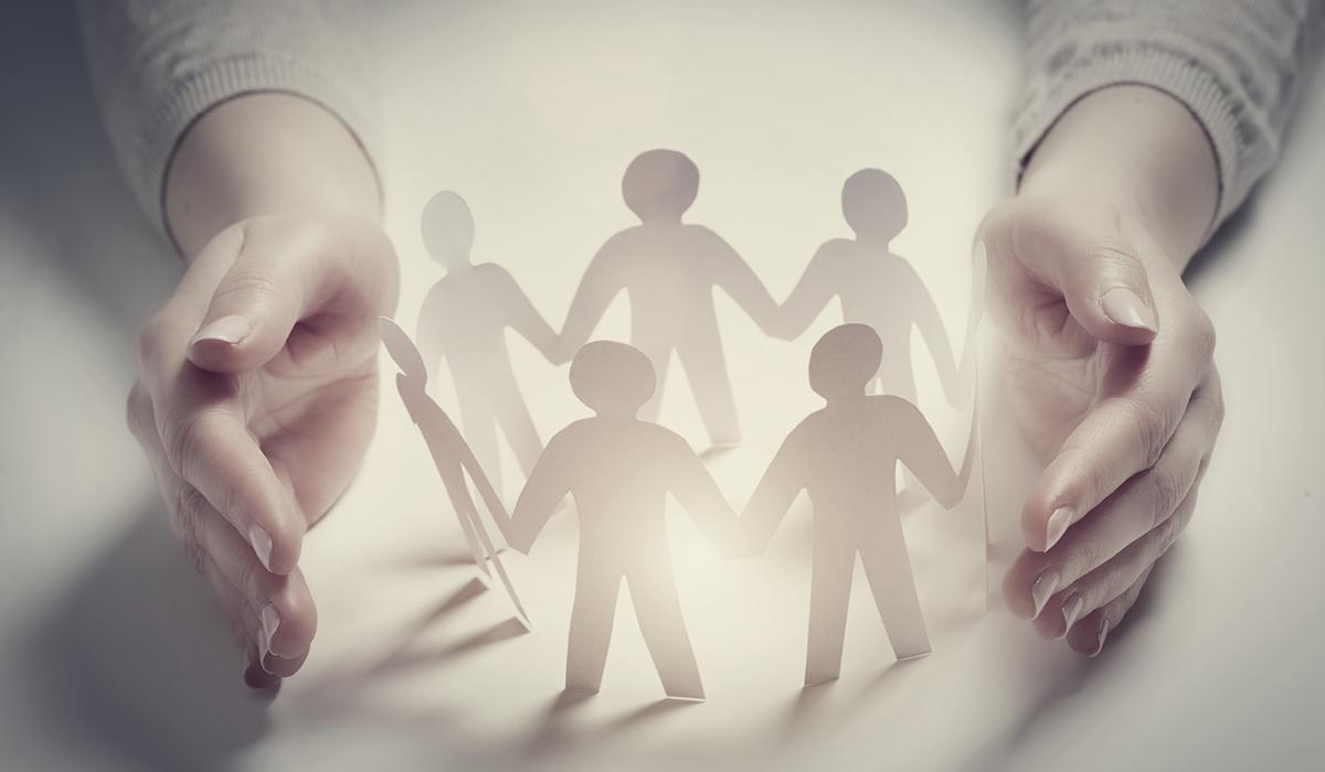 L'adoption d'une attitude responsable vis-à-vis de tous segments sociaux